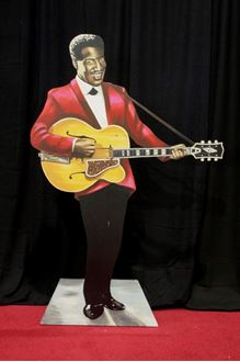Picture of Cutout Jazz Band Guitar Player
