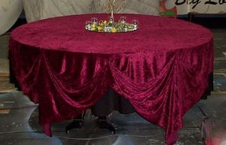 Picture of Tablecloth Red Penne Velvet