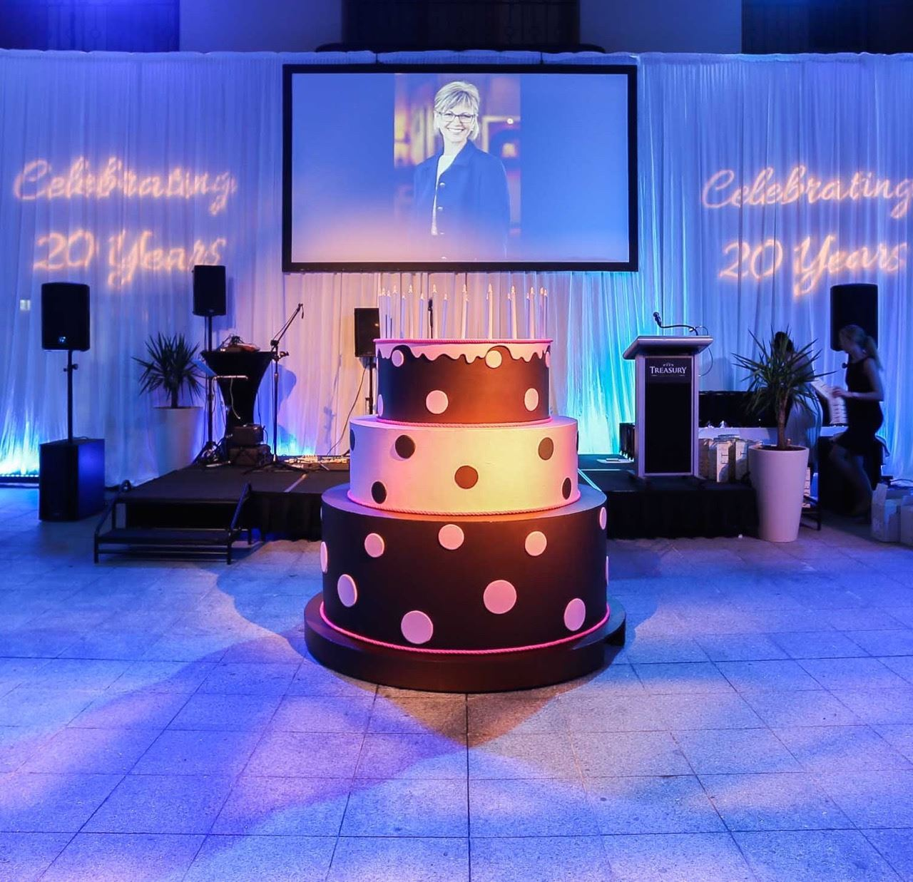 Picture Of Giant Pop Out Cake