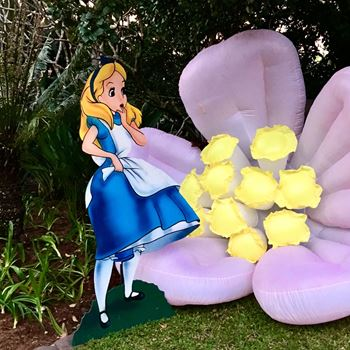 Picture of Cutout Alice in Wonderland